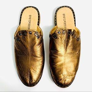 ANTHRO MUSSE & CLOUD Gold Flats Metal Details